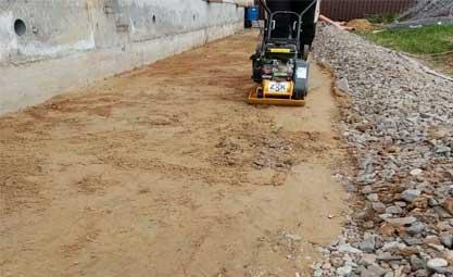 Засыпка песка с трамбовкой